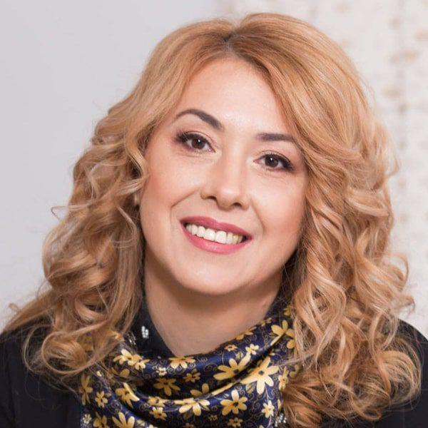 Cristina Neniscu
