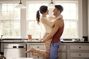 Cinci gesturi simple în relația de cuplu ca să nu ajungeți la terapie sau la divorț