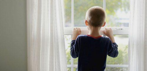 Singur acasă — când este copilul pregătit?