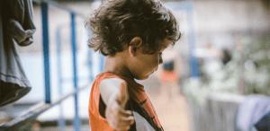 nu-va-protejati-copiii-de-emotiile-negative-invatati-i-sa-le-recunoasca-si-sa-le-gestioneze